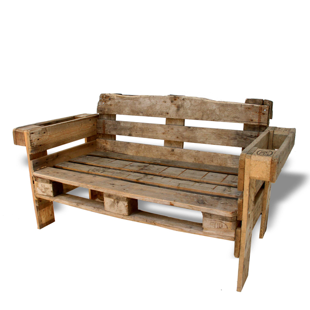 recycled couch made from pallets