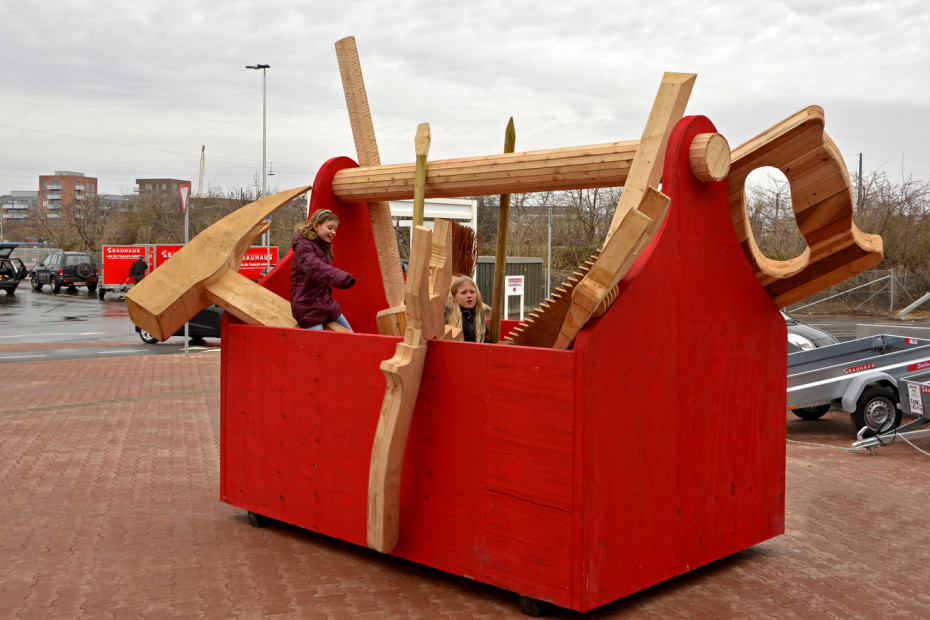 Giant Toolbox Thomas Dambo